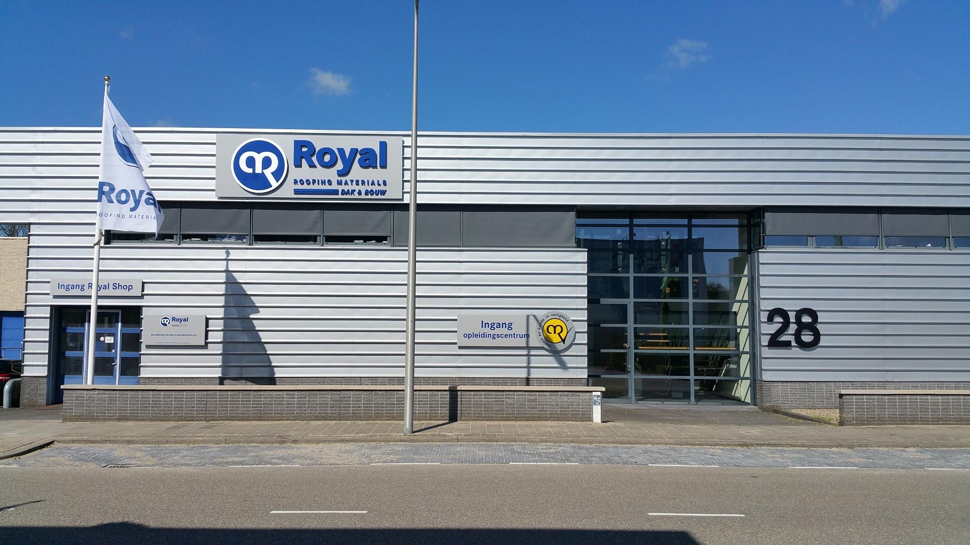 Royal dak & bouw Utrecht aan de Tennesseedreef 28.