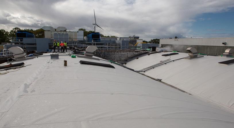 Flagon TPO verduurzaamt het gebogen dak van Coca-Cola   Royal Roofing Materials