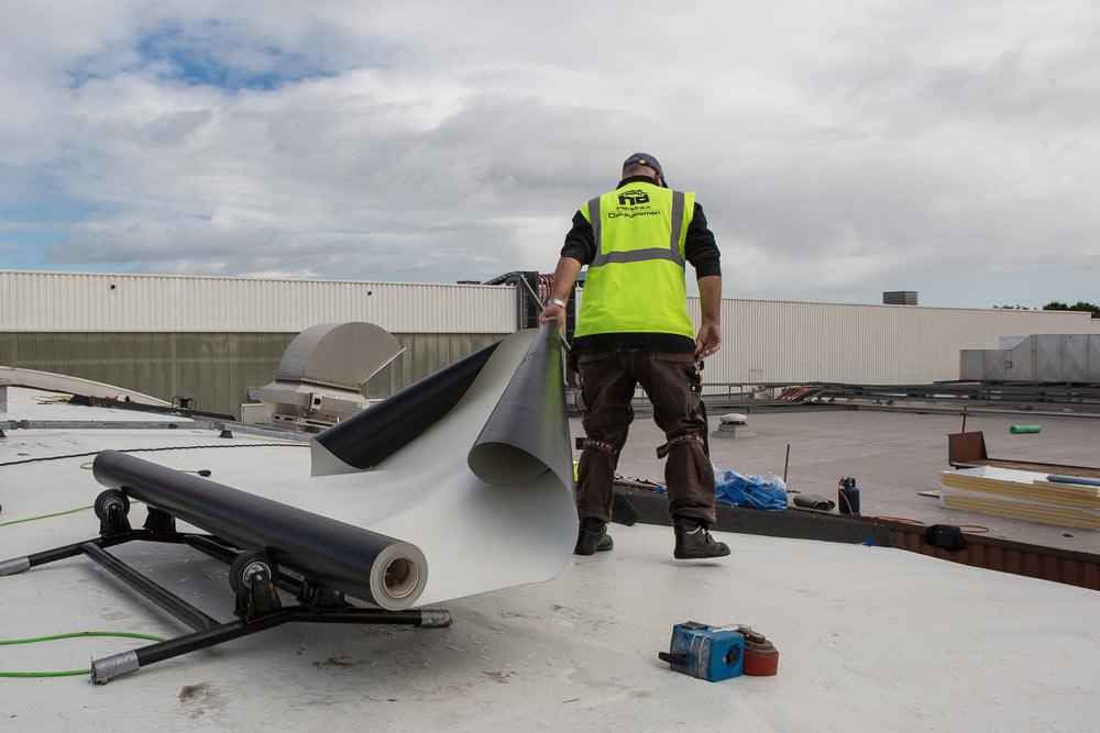 Veilig dakrollen verwerken   Royal Roofing Materials