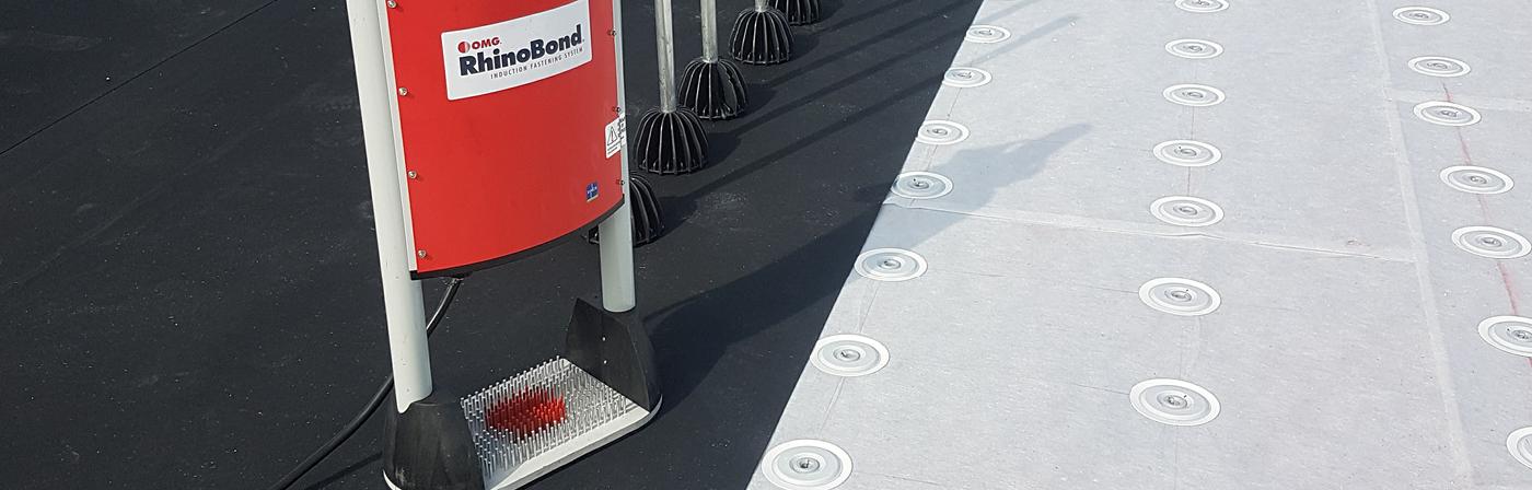 EPDM verwerken volgens de richtlijnen   Download de EPDM handleiding   Royal Roofing Materials