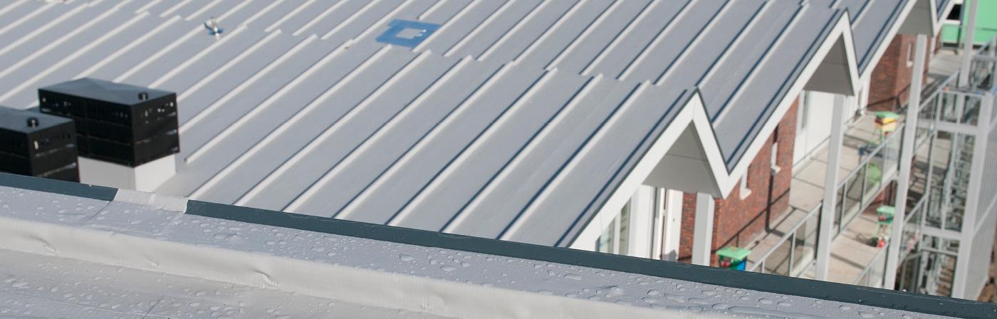 PVC verwerken volgens de richtlijnen   Download de PVC handleiding   Royal Roofing Materials