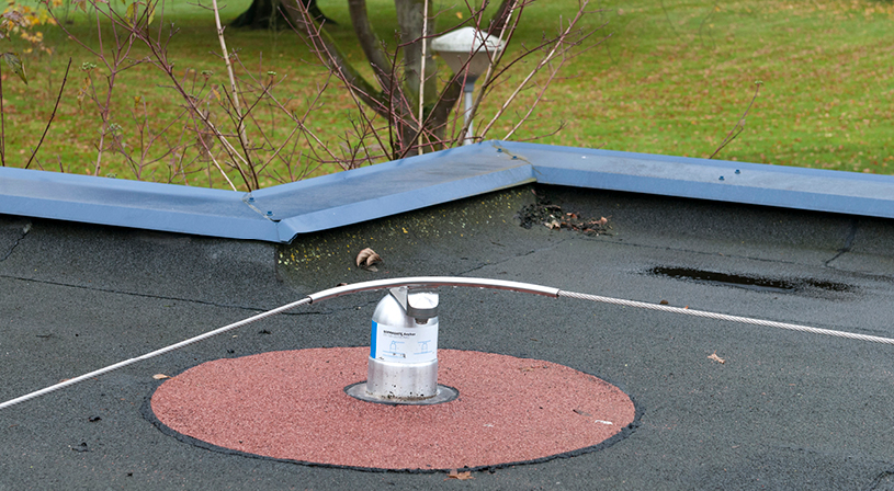 Soprasafe valbeveiligingsysteem | Voorkom valgevaar op daken | Royal Roofing Materials