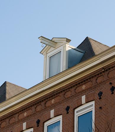 Royal shingles voor dakrenovatie Amsterdamse binnenstad