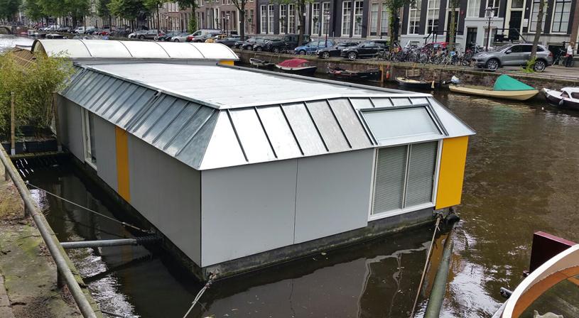 Grijze EPDM van Royal NovoProof® voor woonboot Amsterdam | Royal Roofing Materials