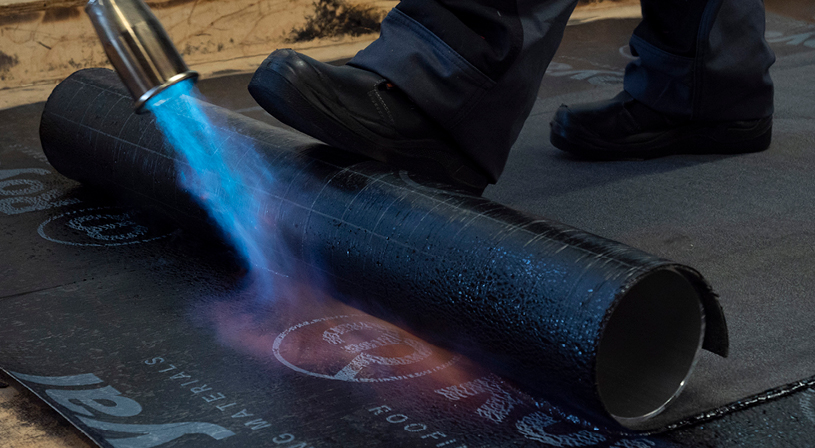 Tips om bitumen dakbedekking goe te branden | Royal Roofing Materials