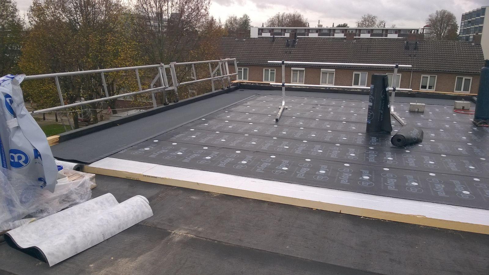 Onder- en toplagen voor duurzame waterdichting | Alle soorten dakbedekking & dakmaterialen | Royal Roofing Materials