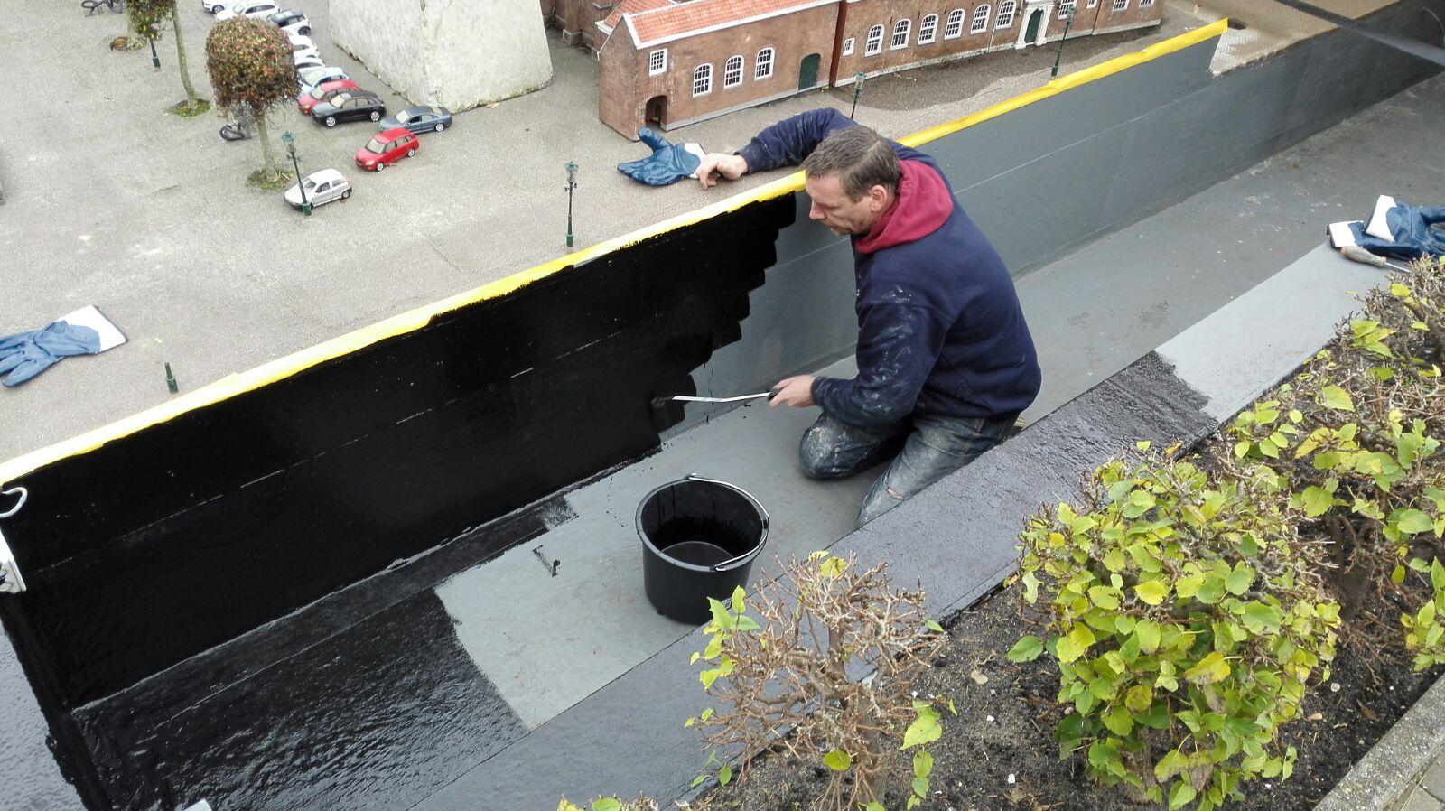 Vloeibare dakbedekking als waterdichting | Royal Roofing Materials